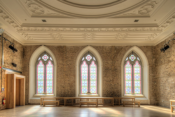 smock-alley-stained-glass-window